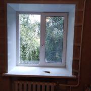 Стандартное ПВХ-окно с отделкой
